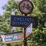 Bike lane - cyclists dismount