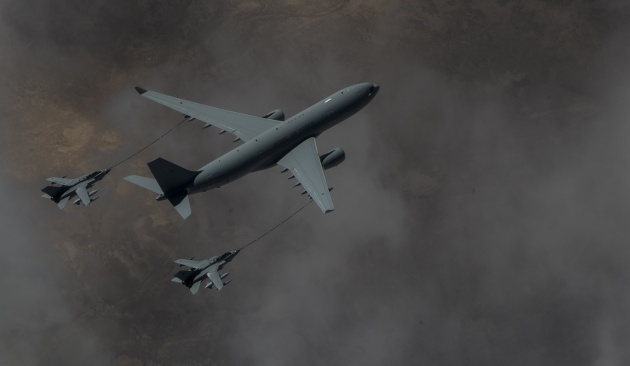 RAF Voyager KC2 refuels two Tornado GR4 over Iraq